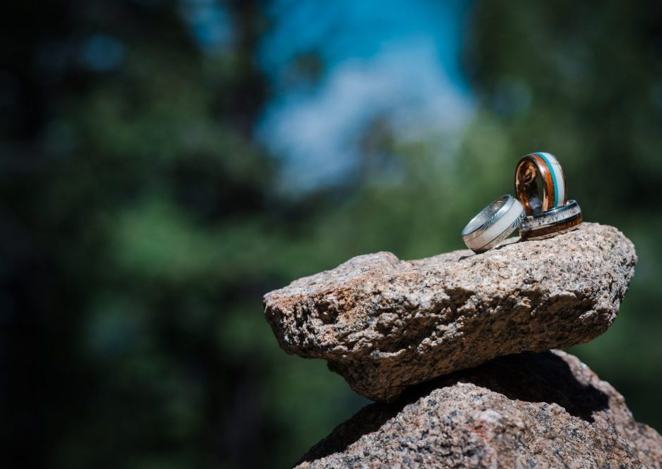 Men's wedding bands based on his lifestyle